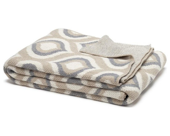 Eco Royal Throw - Flax/Aluminum - This modern geometric pattern in Flax/Aluminiummakes a bold statement, but has a soft feel. Cozy up with this dynamic blanket in your bedroom or living room..