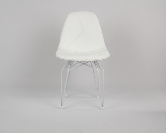 Diamond Pop Side Chair by Kubikoff - Diamond is the name of a collection by Stolt design, which includes tables, chairs, small armchairs, stools and accessory tables. The motif that marks out the structure creates a harmonious geometry of lines that recalls the cut of a diamond. The motif, recurring on the various articles, becomes a linking element and creates an original and functional line of furniture. Available in the chrome-plated, white and black versions.