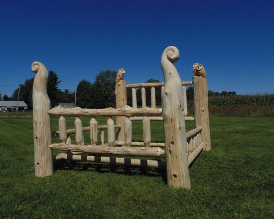 Queen Log bed with carved owls - Queen size cedar log bed. Chainsaw carved and refined by hand. Available in any size or form.