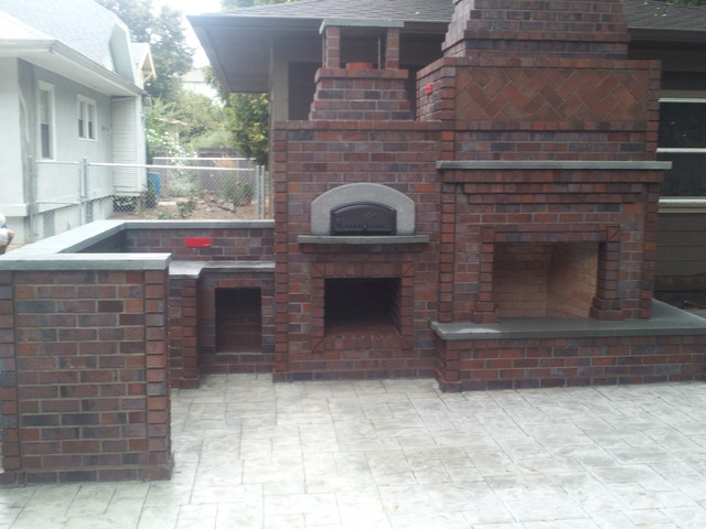 Outdoor Fireplace And Oven Traditional Outdoor
