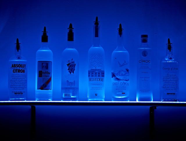 LED Lighted Wall Mounted Liquor Shelves Bottle Display ...