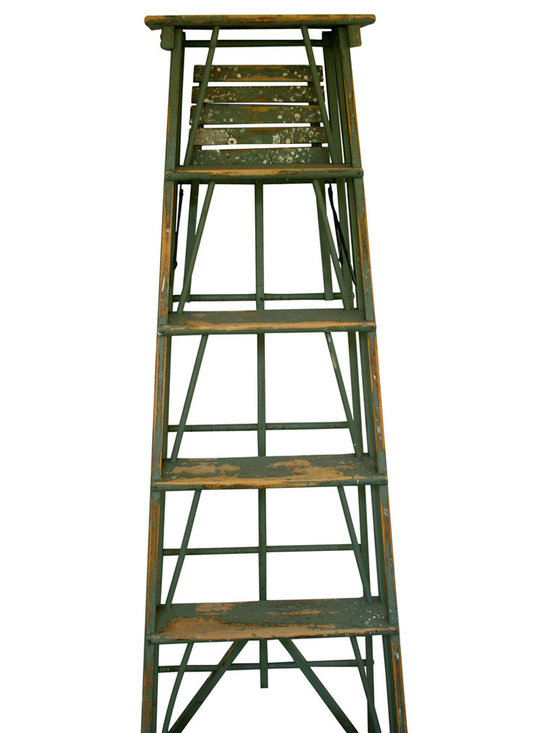 Old Green Painter Ladder - Wonderful old original green painters ladder. Manufactured by Paris Manufacturing in Maine circa 1940. Great Patina with spatters and worn steps. These make wonderful book shelves or for garden flower pot display.