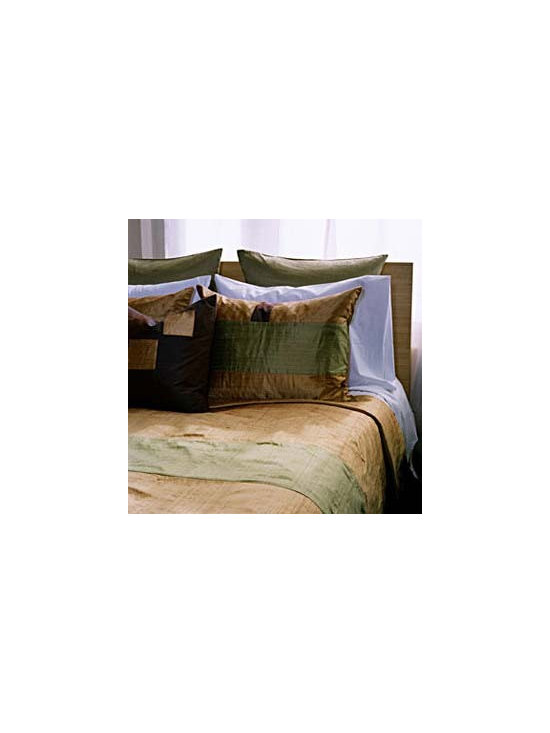 Metric Bedding Set by Jiti Bedding - Lush doesn`t have to mean loud. With 100% silk bedding you can surround yourself in luxurious exotic colors and textures without the garishness that often gets passed off as multiculti design.