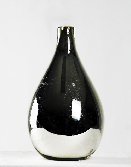 Modern and Traditional Vases vases