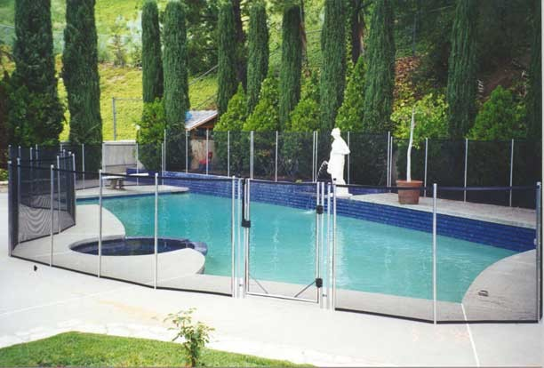 Pool fence pictures los angeles by guardian pool fence systems - Swimming pool fencing options consider ...