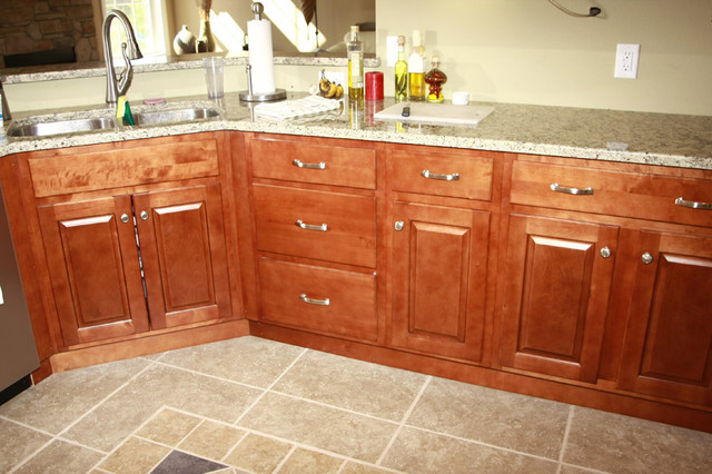 Richmond Kitchen Cabinets Home Design Traditional Kitchen Cabinetry