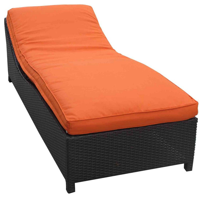 Surmount outdoor wicker patio chaise lounge in espresso for Chaise longue orange