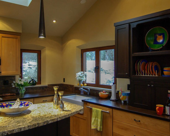 Quantum Windows & Doors | Dowd Architecture - Dowd Architecture Inc | Matthew Koener, Saka Woodworking | Columbia Gorge, OR | Euro Series Windows & Hinged Doors