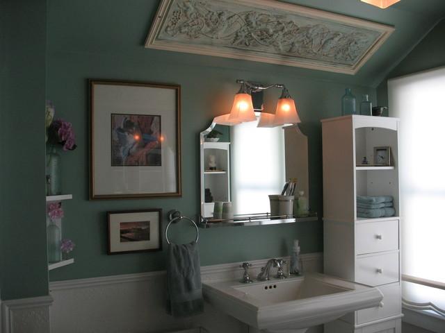 Hillside Home traditional-bathroom