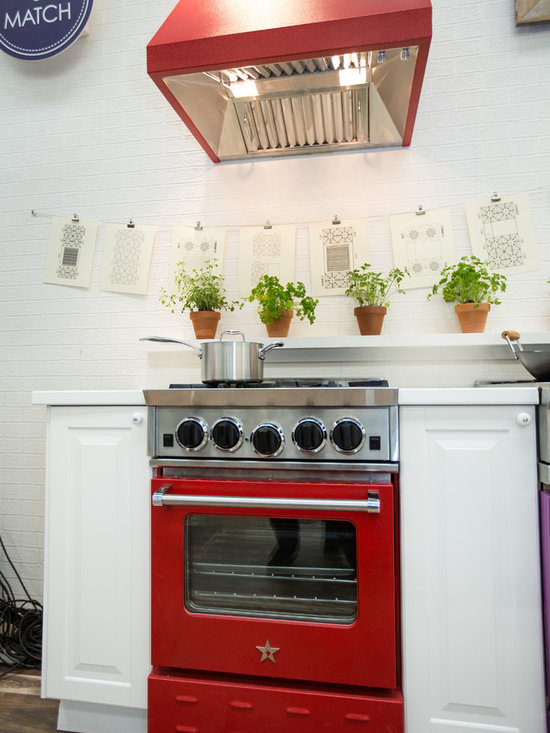 2014 Architectural Digest Show - BlueStar showcasing our City Living Gas Range that is perfect for your city apartment where you want high quality cooking but may not have the space.