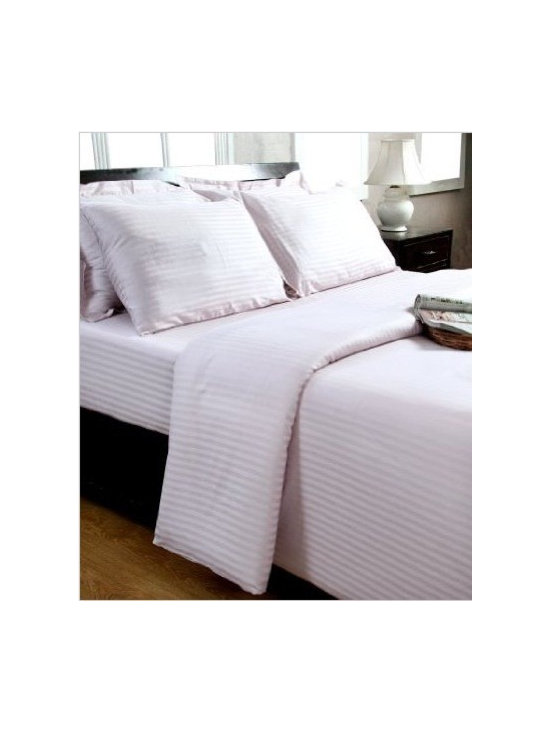 Pink Duvet Cover - Super soft, 100% cotton satin stripe top quality bed linen by Homescapes for top 5 star / 7 star hotels. Homescapes have 30 years' experience producing high quality bedding for top hotels and retailers all over the world. Homescapes now offer their products direct to the consumer at a price that provides excellent value for money by cutting out the middlemen and passing the savings directly on to the consumer.
