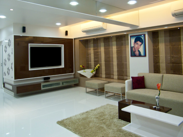 Flat in Mulund, Mumbai contemporary-living-room