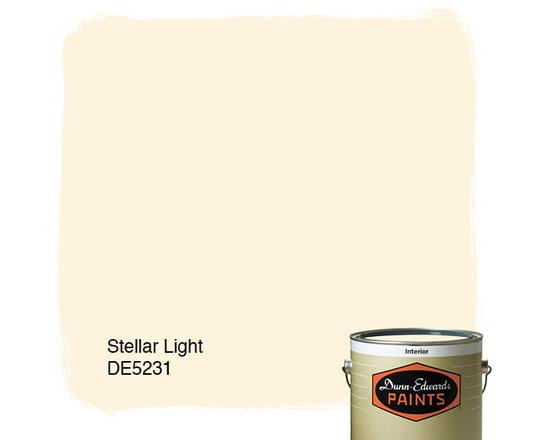 Dunn-Edwards Paints Stellar Light DE5231 -