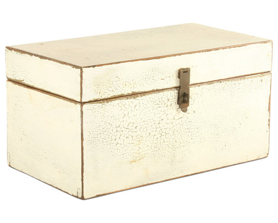 Vintage White Wooden Box - Keep all of your prized possessions tucked away in this gorgeously rustic vintage wooden box. Each box is uniquely one of a kind and will add a shabby chic touch to any room. It's ideal for a den, bedroom or guest room and is great for storing blankets too