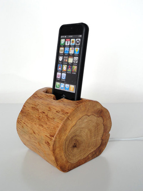 Wooden Gadget iPhone and iPod Dock by Valliswood eclectic-home-electronics