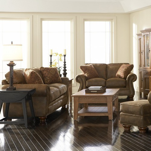 Broyhill Laramie Queen Sleeper Sofa And Loveseat Set In