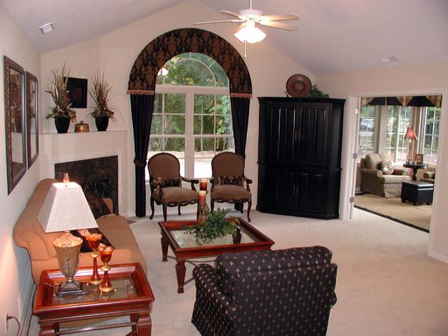 Canterbury Floorplan traditional-living-room