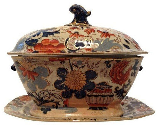 "Pre-owned Masons Tureen & Platter - Beautiful Masons Tureen in nearly perfect condition with Platter. Perfect condition except for a very small hairline crack at base.    Era: Antique; 19th Century.   Country of Origin: England  Materials: Porcelain  Platter dimensions: 14.5""w x 9.5""h x 10"" d"