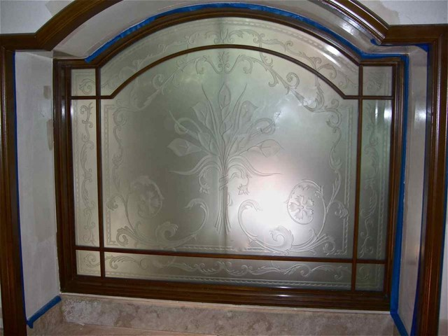 Picturesque cala lillies bathroom windows frosted glass for Window glass design 5 serial number