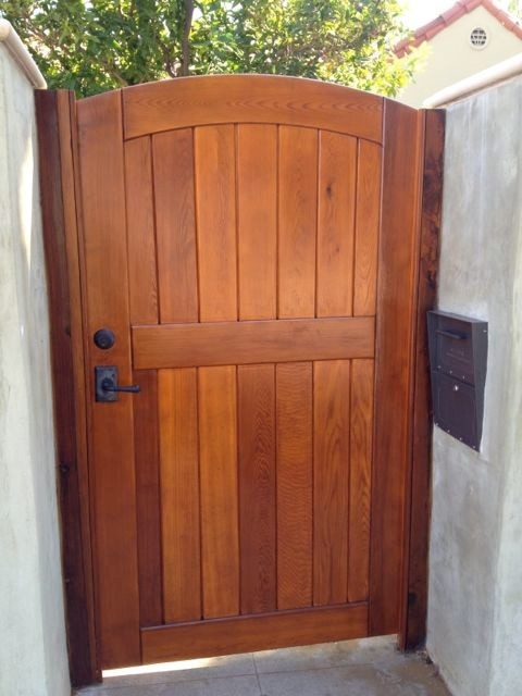 Signature side gate with jambs leverset deadbolt traditional fencing