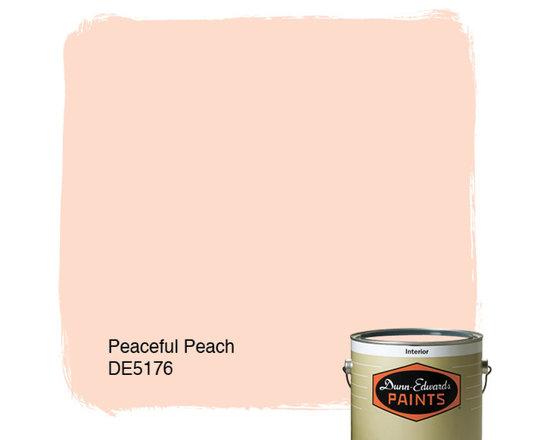 Dunn-Edwards Paints Peaceful Peach DE5176 -