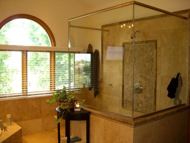Testa traditional-bathroom