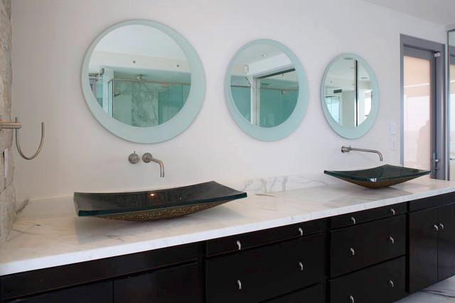 Seif modern-bathroom