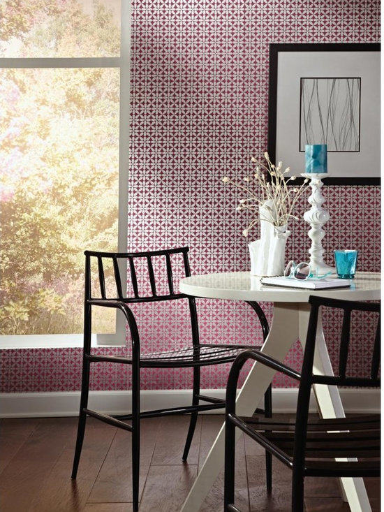 Vogue Wallpaper - WallpapHer - Cleverly placed petals form an over all pattern reminiscent of the '60's. Like a daisy chain, this simple wallcovering is a whimsical charmer. The six in-your-face color combinations, like magenta with brushed silver, add a dash of panache. This pattern is divine with Obsession in coordinated colors.