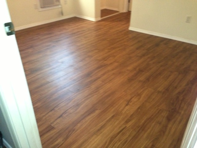 Cortec LVT Plank Color Gold Coast Acacia