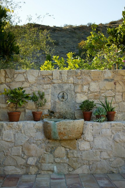 Sinks mediterranean-outdoor-fountains-and-ponds