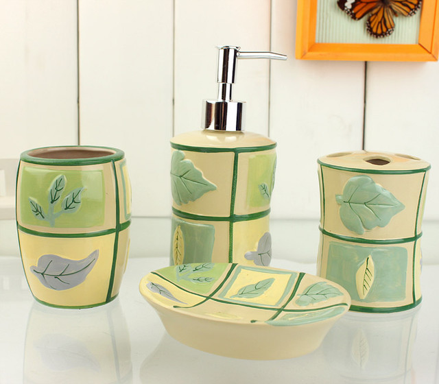 Grid leaves pattern yellow bath accessory sets for Yellow bathroom accessories sets