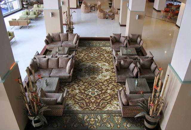 Manor contemporary-living-room