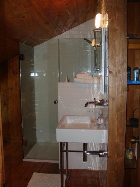 Sonoma Building Company modern-bathroom