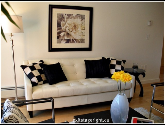 North Vancouver Home Staging-Mellow Yellow