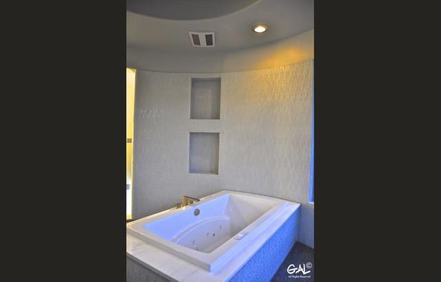 dripping springs contemporary contemporary-bathroom