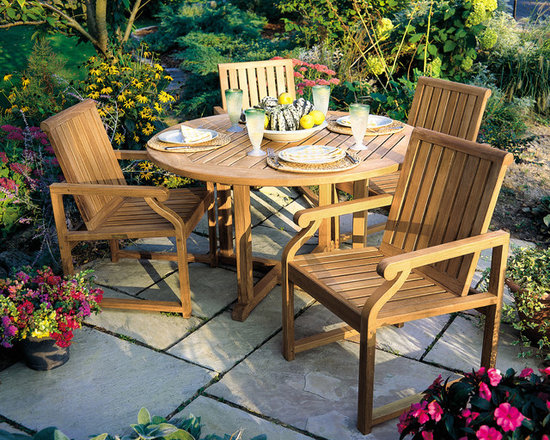 Kingsley Bate Essex Dining Table & Nantucket Chairs -