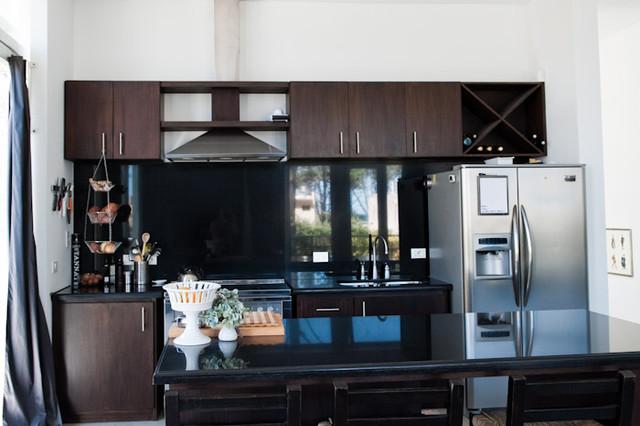 Kariboo Loft Apartment modern-kitchen