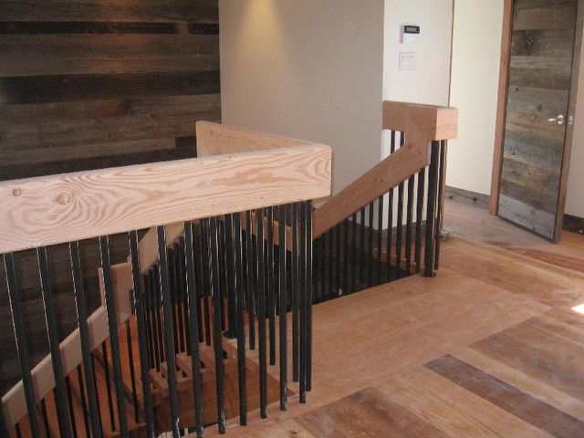 Straight Stair With Metal Pickets