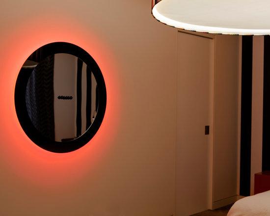 Ora. An interactive eclipse. -