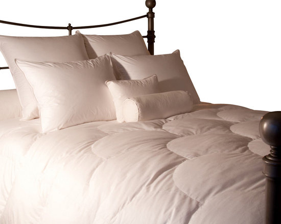 Ogallala Comfort Company - Ogallala Comfort Company Empress 800 Classic Down Comforter, Super King - Our finest duvet, but still not above the occasional jaunt to the porch swing so that you can watch the fireflies come out at night without feeling the slightest chill. Our Hypodown blend is four parts white goose down and one part Syriaca clusters, a fiber from the milkweed plant. Feathers are for flying, down is for warmth. Down clusters are the soft fluff under feathers that keep birds comfortable no matter what the climate. In order to measure nature's performance, down is rated by two distinct values, Percent Down Cluster and Fill Power. Syriaca clusters trap and suppress allergens.