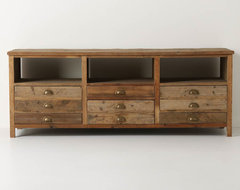 Illusorio Console eclectic media storage
