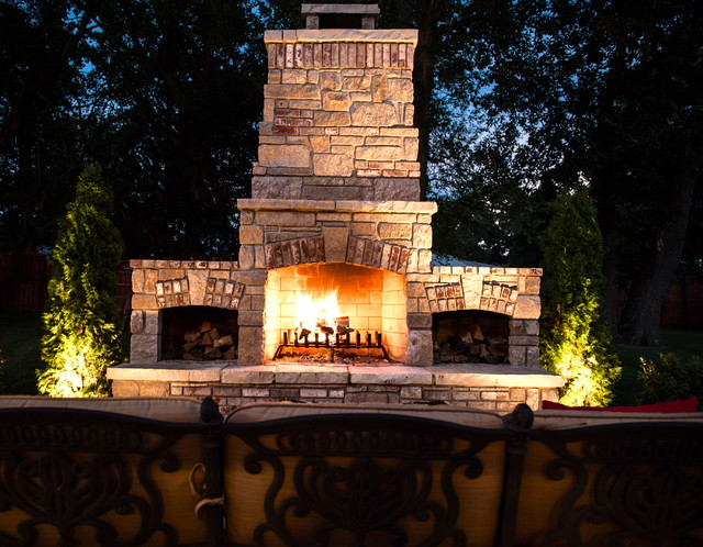 Outdoor Fire Places traditional