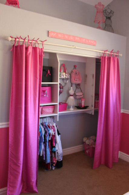 Budget Girl's Bedroom traditional-kids