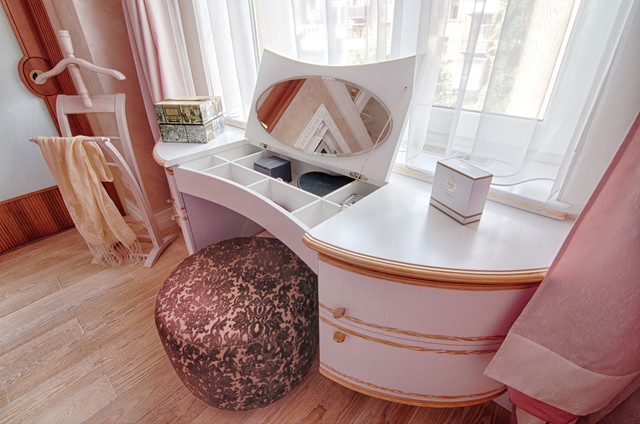 furniture for bedroom modern-makeup-mirrors