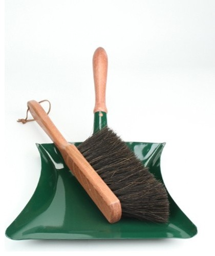 Garden Dust Pan and Brush contemporary-outdoor-products