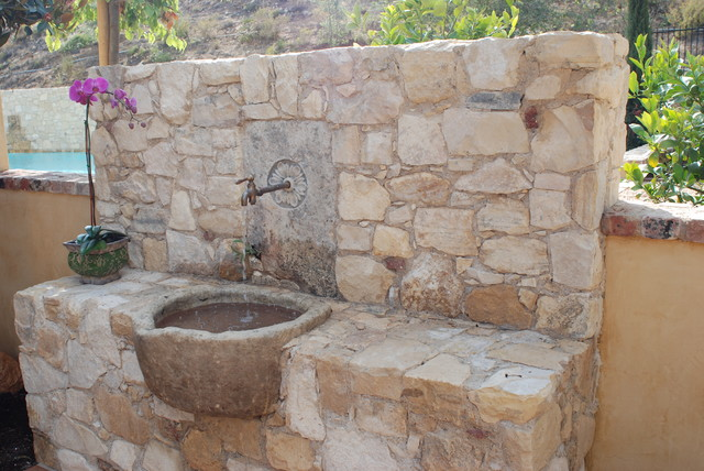 Outdoor Stone Sink : All Products / Outdoor / Outdoor Decor / Outdoor Fountains