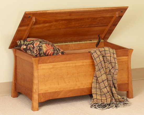 SHINTO BLANKET CHEST - East meets West with this Asian style arts and crafts solid hardwood bedroom collection.