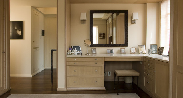 Dressing room contemporary new york by paul francis for Bedroom designs with attached bathroom and dressing room
