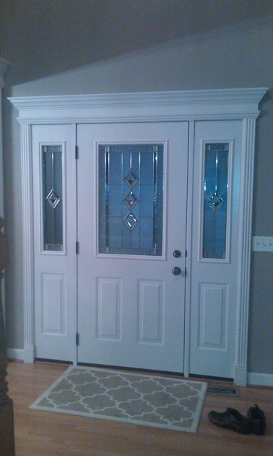 White exterior doors 25 best ideas about white front for Traditional front doors