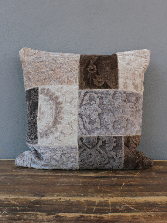 otis pillow – neutral - view this item on our website for more information + purchasing availability: http://redinfred.com/shop/category/free-shipping/otis-pillow-neutral/